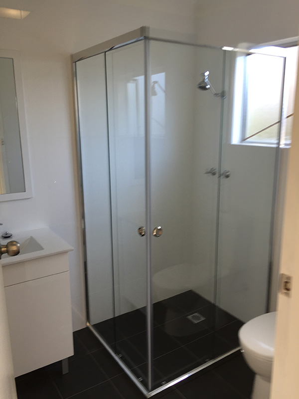 Semi Frameless Shower Screen Corner Opening Sliding