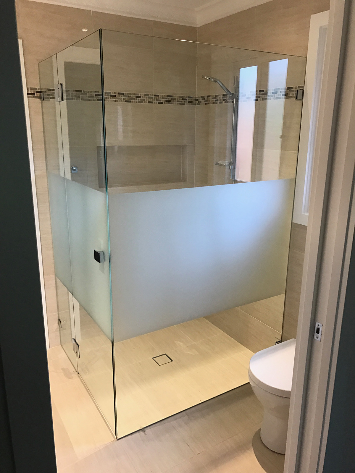 Frameless Shower Screen 10mm Starfire Glass with Opaque Modesty Panel