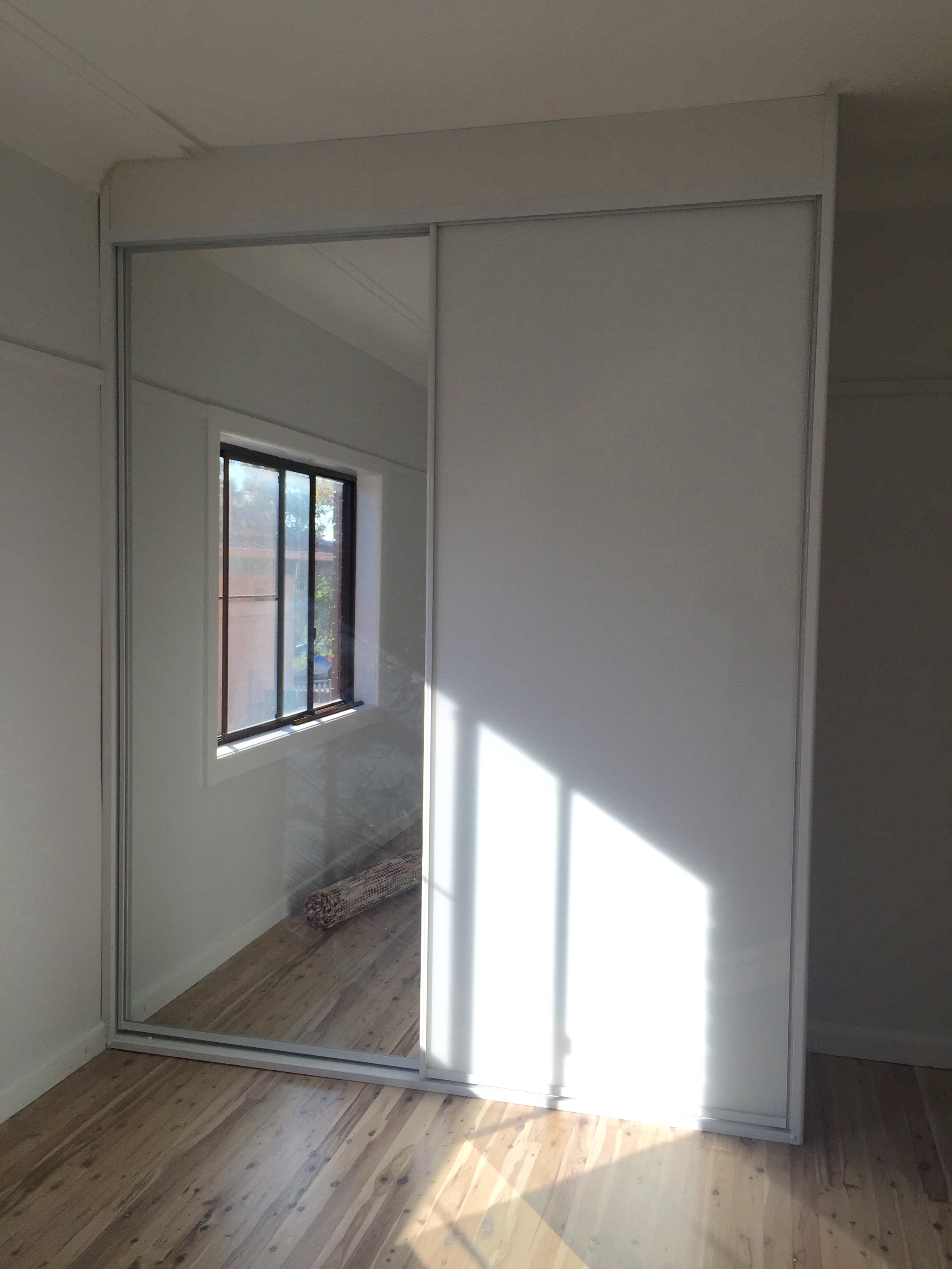Supa White Glass and Mirror Sliding Doors