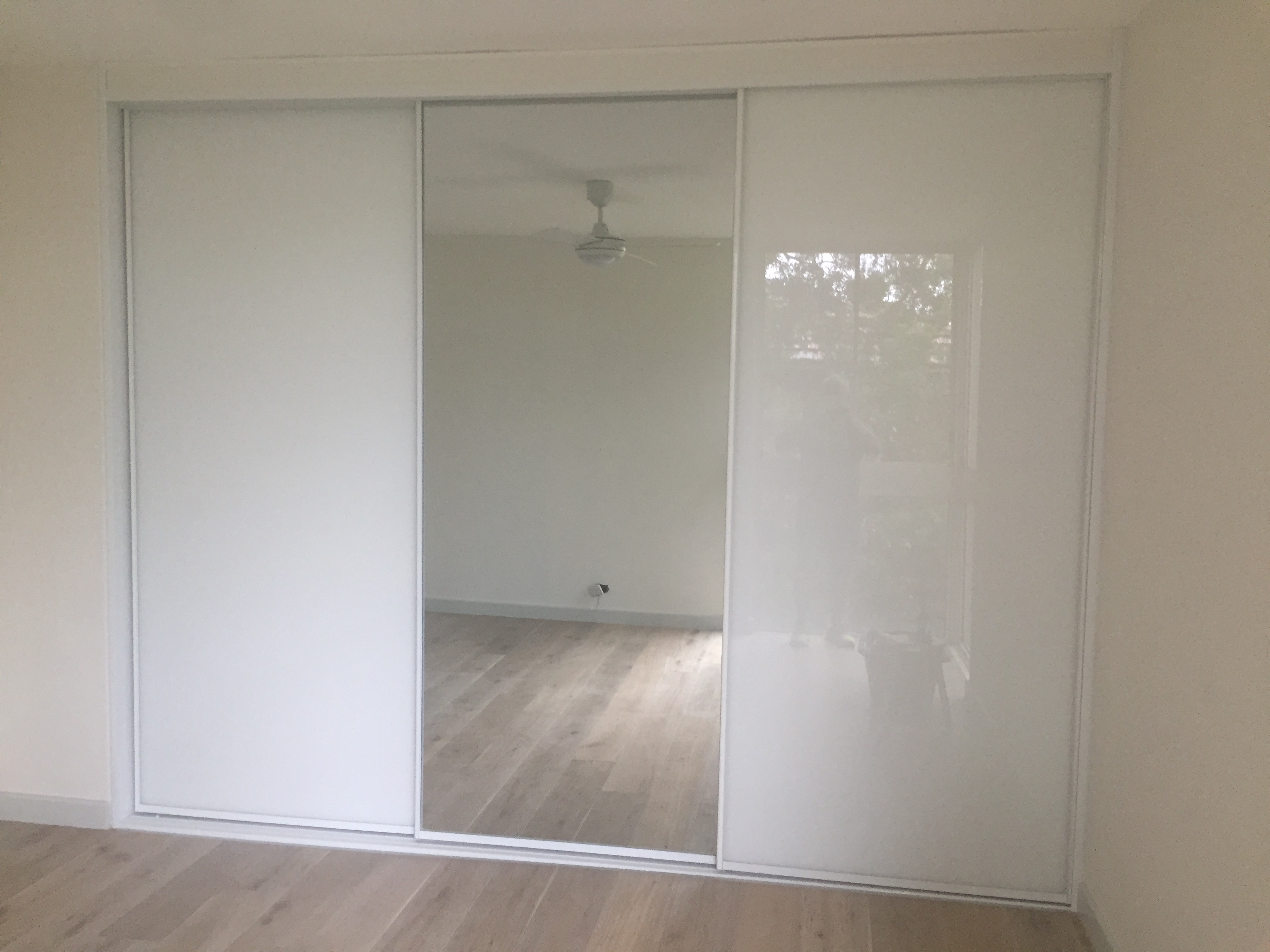 White Glass And Mirror Sliding Doors